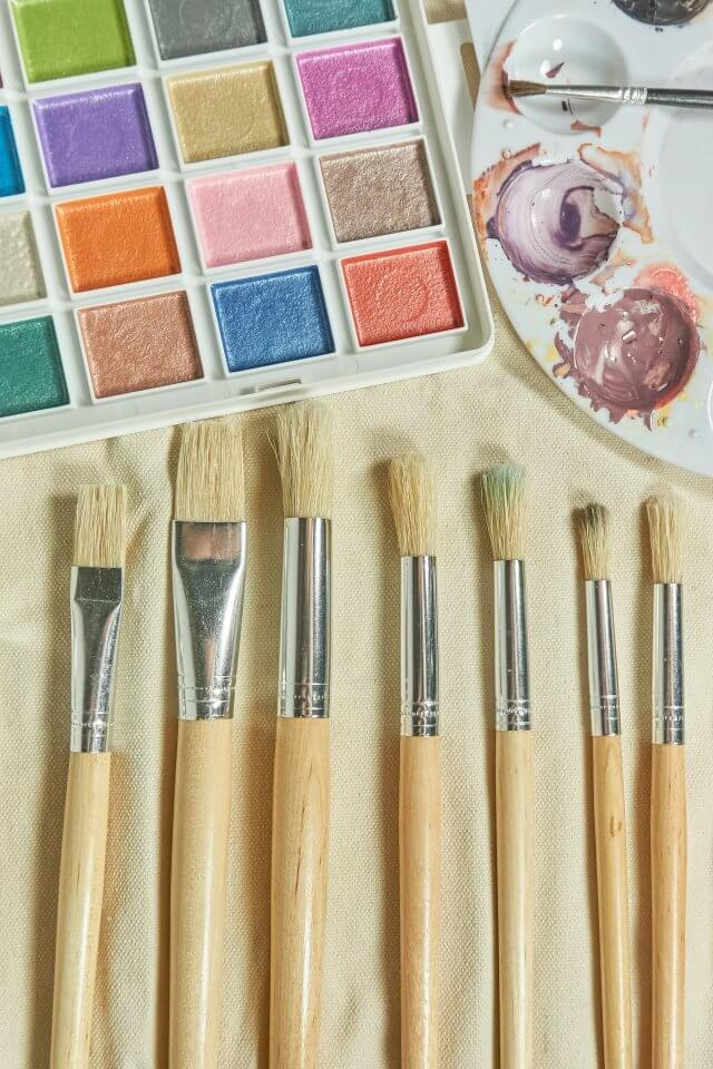 Arts and crafts - paintbrushes and paints