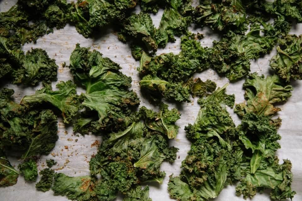 Crispy kale, vegetable chips